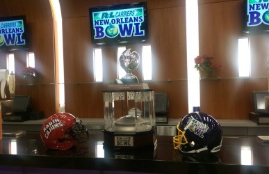 The 2014 New Orleans Bowl Trophy