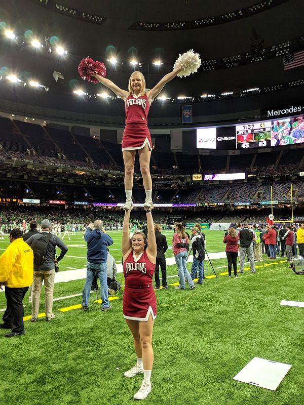 2017 R+L Carriers New Orleans Bowl winner Troy Trojans cheerleaders
